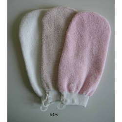 Make-up remover mitt